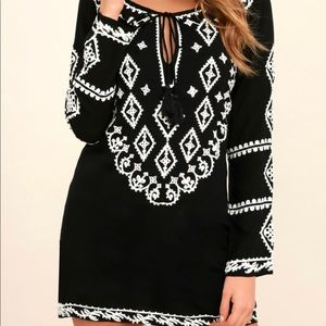 Lulus embroidered tunic